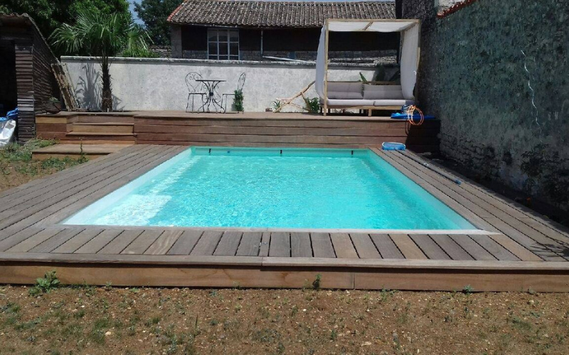 Constructeur de piscine 79